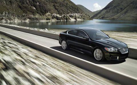 Tire, Wheel, Mode of transport, Automotive design, Automotive mirror, Vehicle, Alloy wheel, Rim, Mountainous landforms, Car,