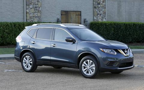 The 2.5-liter I4 in the 2014 Nissan Rogue SV cranks out 170 hp with 175 lb-ft of torque.
