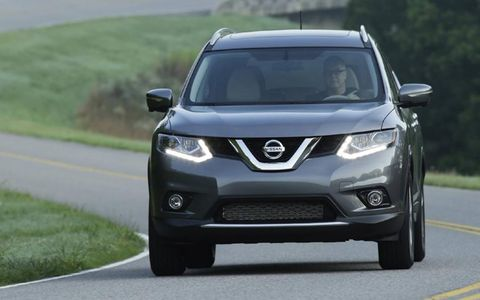 The 2014 Nissan Rogue SV  receives an EPA-estimated 28 mpg combined fuel economy.