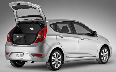 The 2014 Hyundai Accent SE is equipped with a 1.6-liter I4 that pushes out 138 hp and 123 lb-ft of torque.