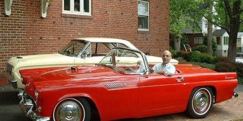 Tire, Wheel, Motor vehicle, Vehicle, Automotive design, Land vehicle, Window, Classic car, Car, Classic,