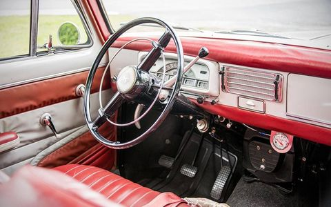 the interior of the Peugeot 403B