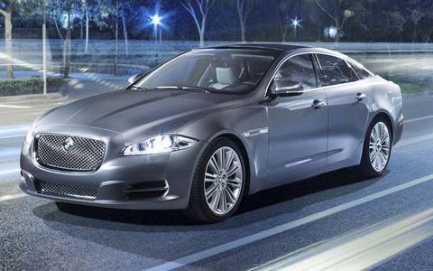 Wheel, Tire, Vehicle, Automotive design, Rim, Car, Alloy wheel, Grille, Mid-size car, Full-size car,