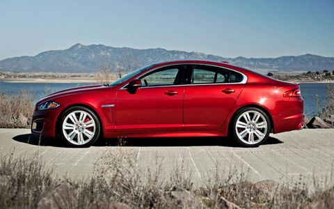 Tire, Wheel, Automotive design, Alloy wheel, Vehicle, Rim, Spoke, Car, Full-size car, Automotive tire,