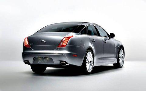 Tire, Wheel, Mode of transport, Automotive design, Product, Automotive tail & brake light, Vehicle, Automotive tire, Car, Personal luxury car,
