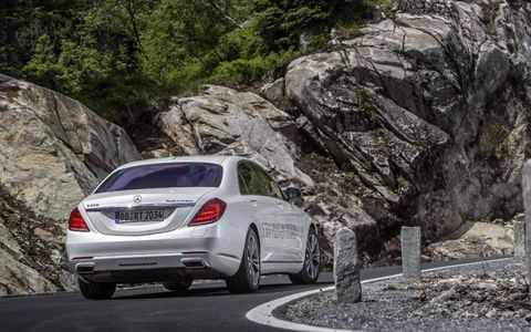 The S550 Plug-In is powered by a twin-turbocharged 3.0-liter V6 making 328 hp and 351 lb-ft of torque.