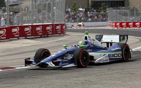 2012 IndyCar at Toronto: Tony Kanaan leads Charlie Kimball.