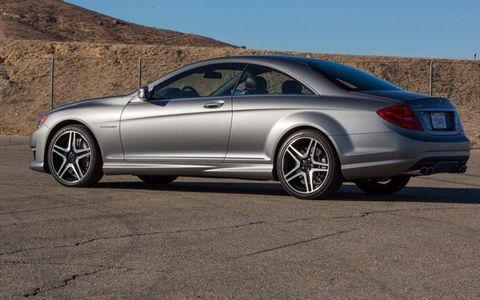 Tire, Wheel, Automotive design, Alloy wheel, Window, Vehicle, Spoke, Rim, Car, Automotive tire,
