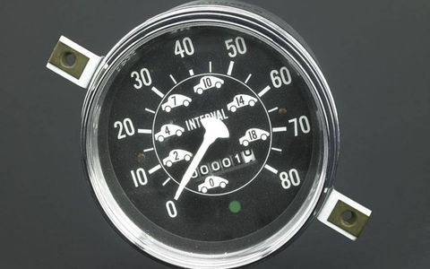 Charles Adler's spaceometer was designed to indicate the car lengths required for stopping at any given speed.