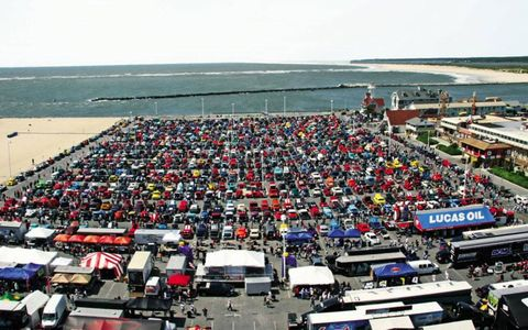 A parking lot full of cars in attendance for the Ocean City Cruise on the East coast.