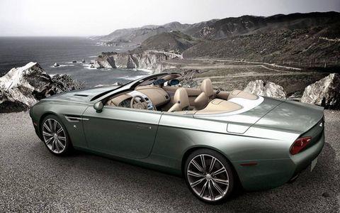 Tire, Wheel, Mode of transport, Automotive design, Vehicle, Land vehicle, Car, Rim, Alloy wheel, Personal luxury car,