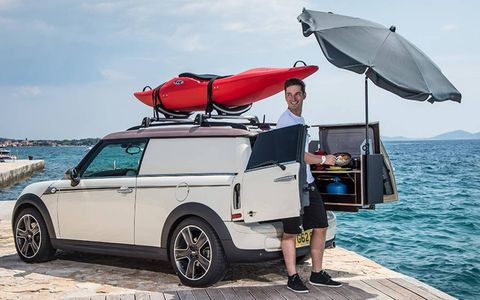 A fold-out kitchenette comes with this Mini Clubvan.