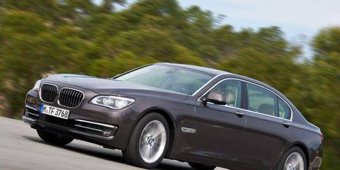 Tire, Wheel, Mode of transport, Automotive design, Vehicle, Rim, Car, Grille, Alloy wheel, Personal luxury car,
