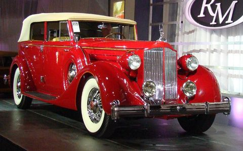1935 Packard convertible sedan