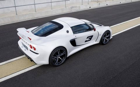Tire, Wheel, Mode of transport, Automotive design, Vehicle, Alloy wheel, Rim, Automotive exterior, Performance car, Car,
