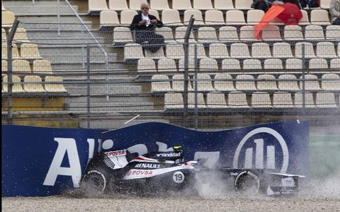 Williams F1 reserve driver Valtteri Bottas gets it wrong during Friday practice for the German Grand Prix at Hockenheim, much to the amusement of a packed grandstand