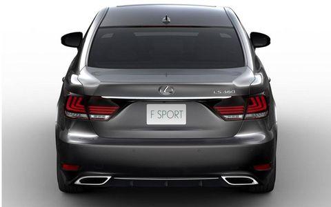A 4.6-liter V8 propels the big sedan, producing 386 hp and 367 lb-ft of torque