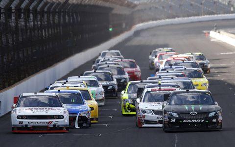Automotive design, Land vehicle, Vehicle, Car, Motorsport, Automotive exterior, Touring car racing, Racing, Auto racing, Race car,