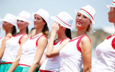 Never letting 'em see you sweat is another key to becoming a Formula One grid girl.