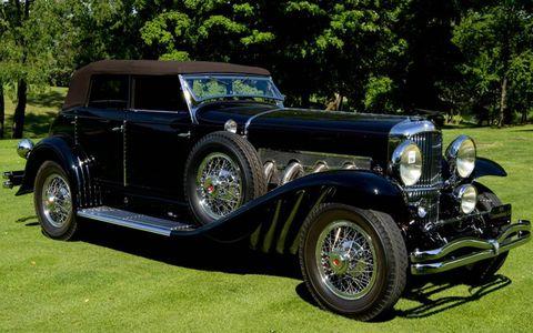 A front view of the Best in Show 1933 Duesenberg  Model SJ Riviera Phaeton Brunn.