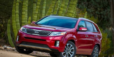 The 2015 Kia Sorento SX is packed full of useful features both inside and out.