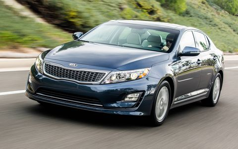 The 2014 Kia Optima Hybrid EX comes in at a base price of $32,795 with our tester topping off at $34,695.