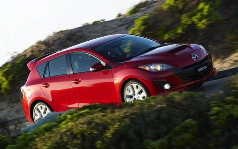 Motor vehicle, Mode of transport, Automotive design, Automotive mirror, Vehicle, Land vehicle, Car, Vehicle door, Rear-view mirror, Hatchback,