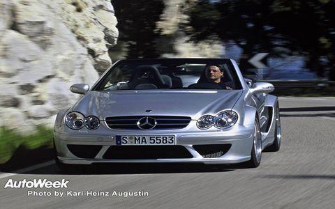 Automotive design, Vehicle, Hood, Grille, Headlamp, Car, Automotive exterior, Mercedes-benz, Personal luxury car, Automotive mirror,
