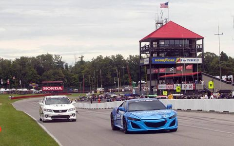 The 2015 Acura NSX took two laps of Mid Ohio just before the Indycar race.