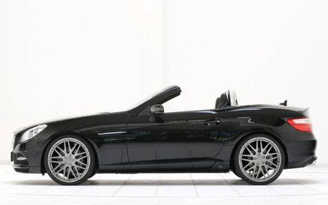 Tire, Automotive design, Vehicle, Spoke, Rim, Car, Alloy wheel, Personal luxury car, Fender, Luxury vehicle,