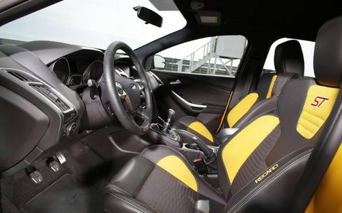 The interior of the 2013 Ford Focus ST is just as sporty as the exterior. With color-accented Recaro seats, it is sure to be a head turner.