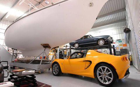 Tire, Wheel, Automotive design, Vehicle, Land vehicle, Car, Vehicle door, Performance car, Rim, Alloy wheel,