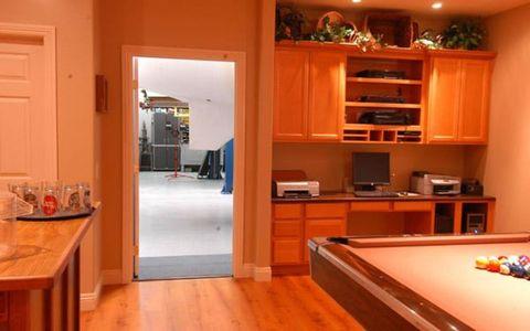 Wood, Billiard table, Pool, Room, Indoor games and sports, Billiard room, Property, Recreation room, Floor, Flooring,