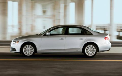 Tire, Wheel, Automotive design, Alloy wheel, Vehicle, Spoke, Rim, Car, Full-size car, Automotive tire,
