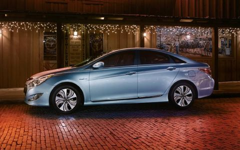 The 2013 Hyundai Sonata Hybrid Limited comes in at a base price of $31,345 with our tester topping off at $32,490.