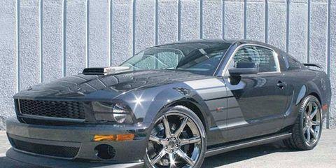 Tire, Wheel, Automotive tire, Automotive design, Vehicle, Hood, Rim, Headlamp, Alloy wheel, Spoke,