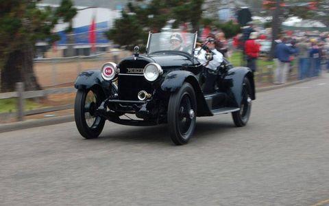 Tire, Wheel, Mode of transport, Automotive design, Vehicle, Classic car, Car, Vehicle registration plate, Fender, Antique car,