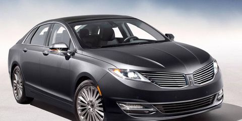 The 2012 Lincoln MKZ 3.7 Roof