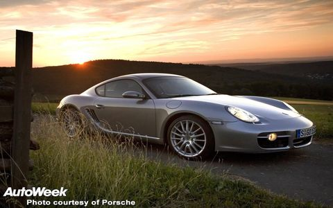 Tire, Wheel, Automotive design, Vehicle, Land vehicle, Alloy wheel, Rim, Car, Performance car, Automotive lighting,