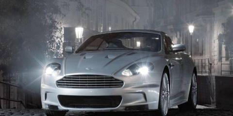 Automotive design, Vehicle, Headlamp, Automotive lighting, Rim, Car, Automotive tire, Grille, Hood, Fender,