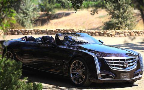 Mode of transport, Automotive design, Automotive mirror, Vehicle, Grille, Car, Alloy wheel, Rim, Headlamp, Hood,