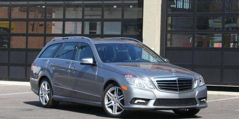 Tire, Wheel, Vehicle, Automotive design, Land vehicle, Car, Automotive parking light, Rim, Glass, Grille,