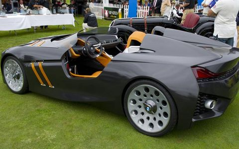 Tire, Wheel, Mode of transport, Automotive design, Vehicle, Automotive tire, Automotive wheel system, Rim, Car, Fender,