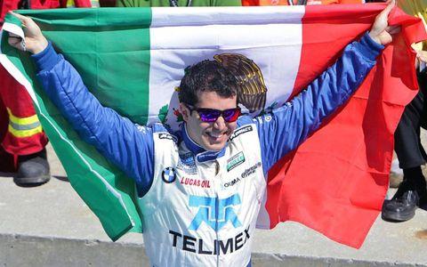 Memo Rojas celebrates his team's victory.
