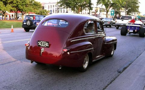 Tire, Wheel, Motor vehicle, Mode of transport, Vehicle, Automotive design, Land vehicle, Car, Automotive tire, Vehicle door,