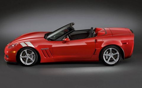 Automotive design, Vehicle, Red, Performance car, Car, Fender, Automotive lighting, Automotive exterior, Automotive mirror, Supercar,