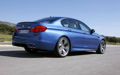 The 2013 BMW M5 base price is $89,900