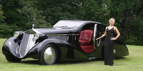 People's Choice went to the Petersen Museum's 1925 Rolls-Royce PII Jonckheere Aerodynamic Coupe;  it also made a perfect prop for Mode du Concours fashion exhibits.