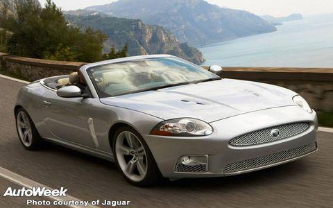 Tire, Mode of transport, Automotive design, Vehicle, Car, Hood, Fender, Personal luxury car, Rim, Headlamp,
