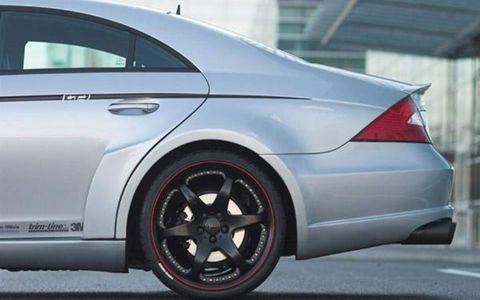 Tire, Wheel, Automotive design, Alloy wheel, Spoke, Vehicle, Automotive tire, Rim, Car, Automotive wheel system,
